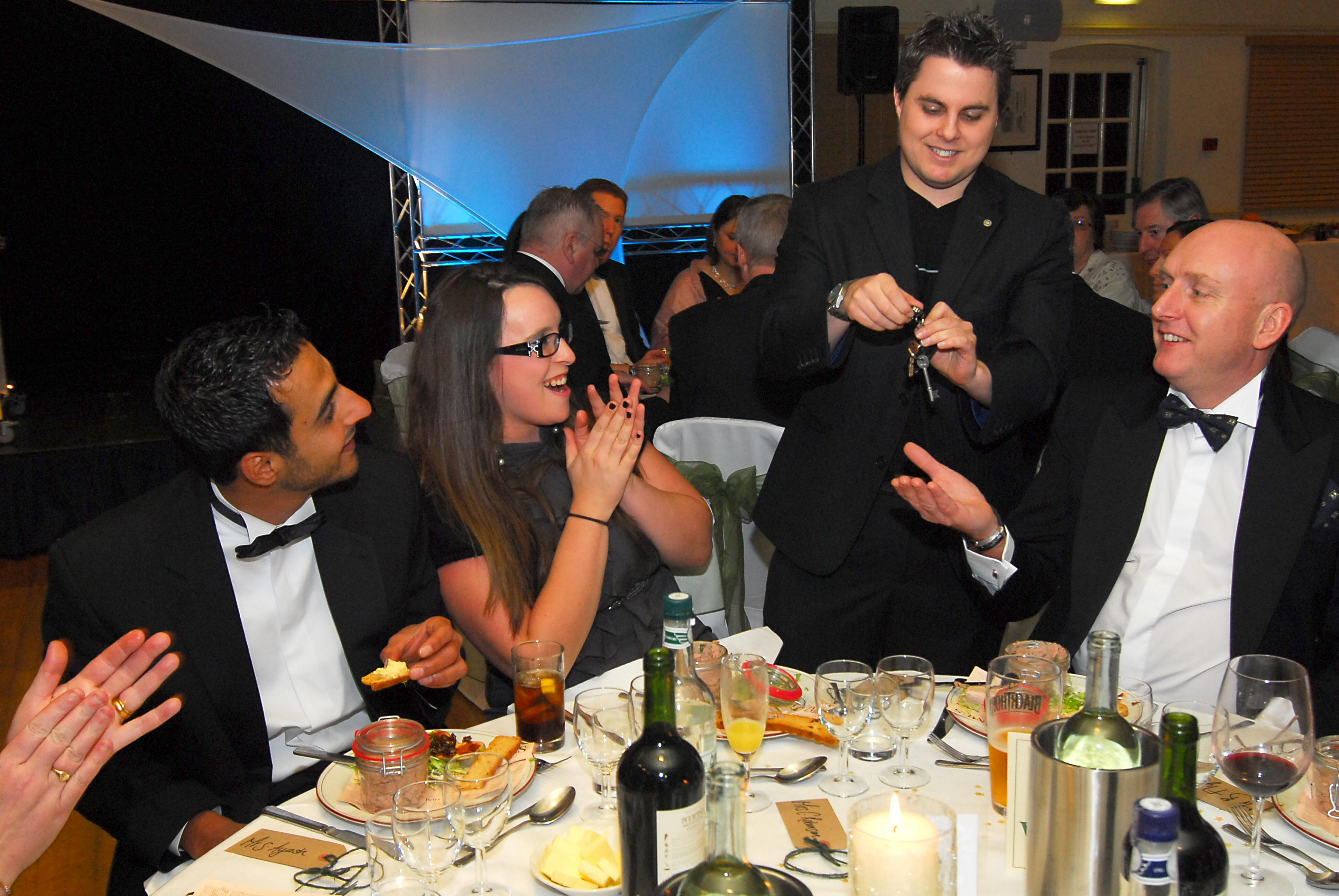 London Magician amazing guests at a corporate event at the Portsmouth Park Hotel in Portsmouth
